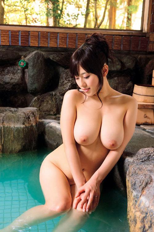 露天風呂でお姉さんのおっぱいで癒やして欲しい1