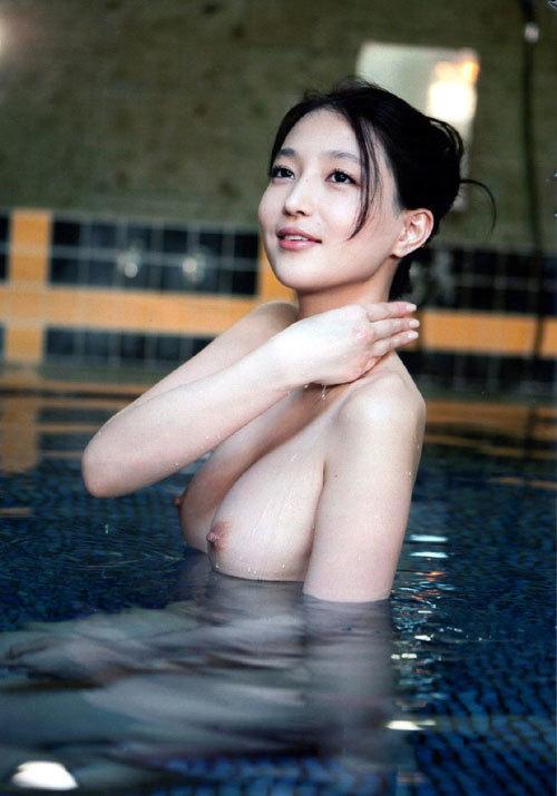 露天風呂でお姉さんのおっぱいで癒やして欲しい8