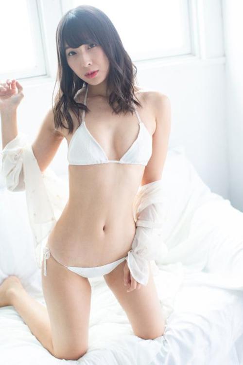 【セミヌード】川崎あや、くびれ女王、衝撃の手ぶらヌード…美し過ぎるスレンダー裸体…