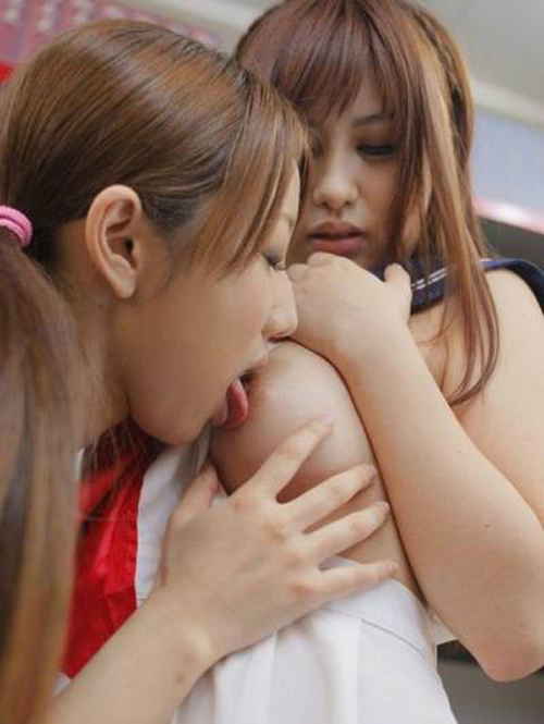 【レズ おっぱい】女子同士で乳攻めあってるレズおっぱい画像 115枚