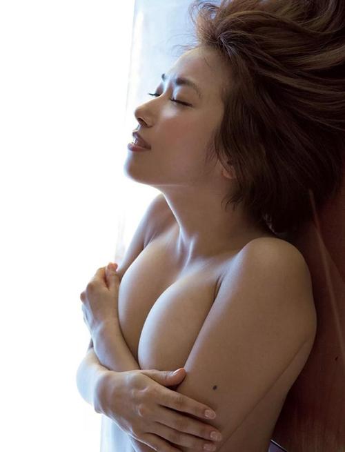 【佐藤聖羅(元SKE・88cm・Gカップ爆乳)巨乳おっぱいグラビア】画像・動画