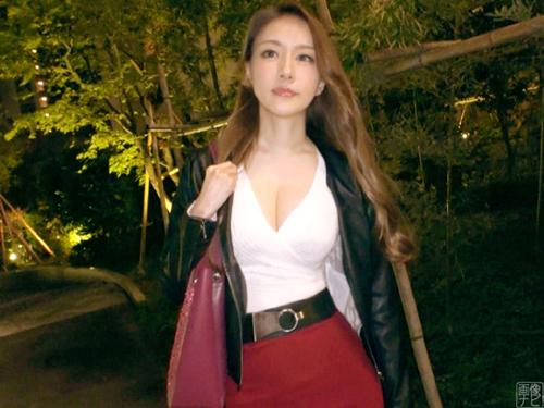 元キャンギャルの激美女降臨 有名デパートで働く24歳美容部員がAV出演