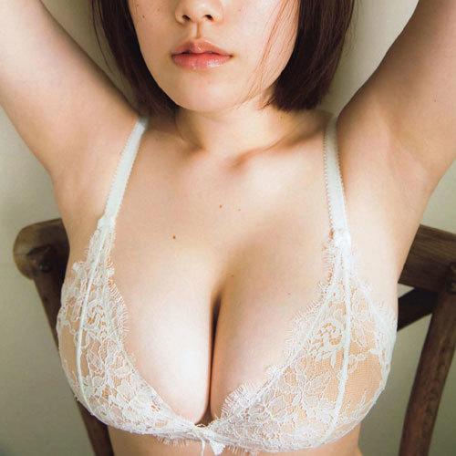 筧美和子 柔らかくて弾力がある垂れおっぱいに挟まれてパイズリされたい