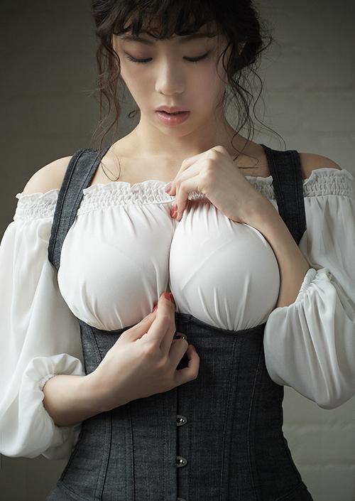 【3次元】着衣巨乳にガン見しちゃうたわわなお姉さんのエロ画像集!(50枚)