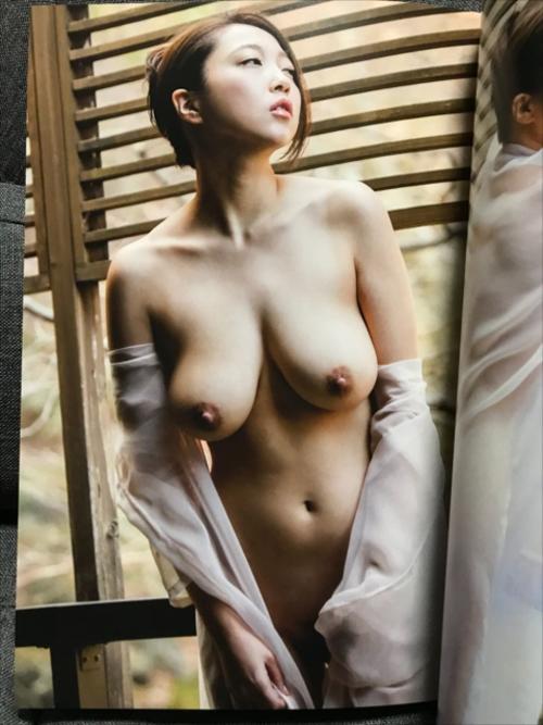 【ヌード悲話】Iカップ巨乳グラドル・あさいあみ、乳首を晒したヘアヌードになっても売れないので引退・・・