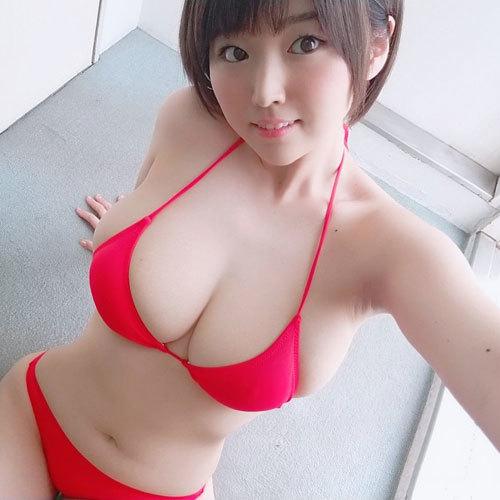 松本菜奈実 Jカップのおっぱいで挑発してくる自撮り着衣巨乳がエロ過ぎ