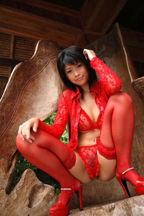 クリスマスは真っ赤な下着のお姉さんのおっぱい4