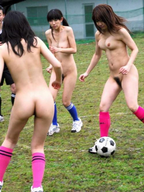 全裸で様々なスポーツをしてみた結果やばすぎたwwwwwwwwwwwwww(画像あり)