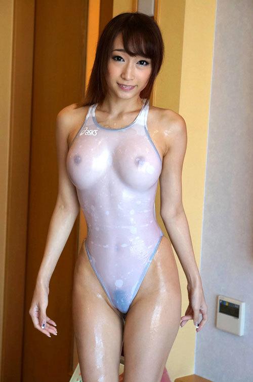 白い競泳水着を着たお姉さんおっぱい濡れ透け16