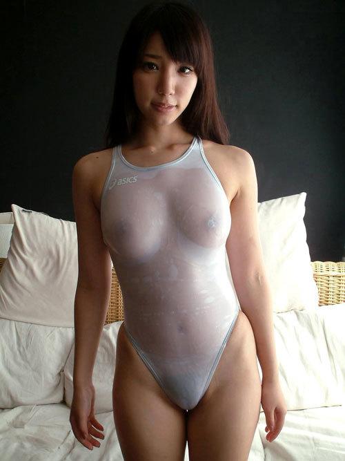 白い競泳水着を着たお姉さんおっぱい濡れ透け27