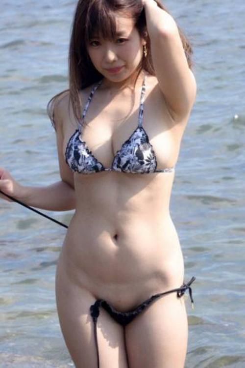 """【ムチムチ 画像】エロに過激な巨乳コスプレイヤー""""ゆとり"""""""