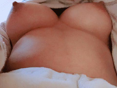乳首ビンビン