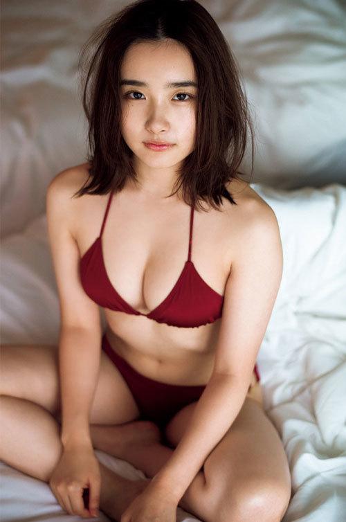 安倍乙の圧倒的透明感なビキニ美少女のおっぱい30