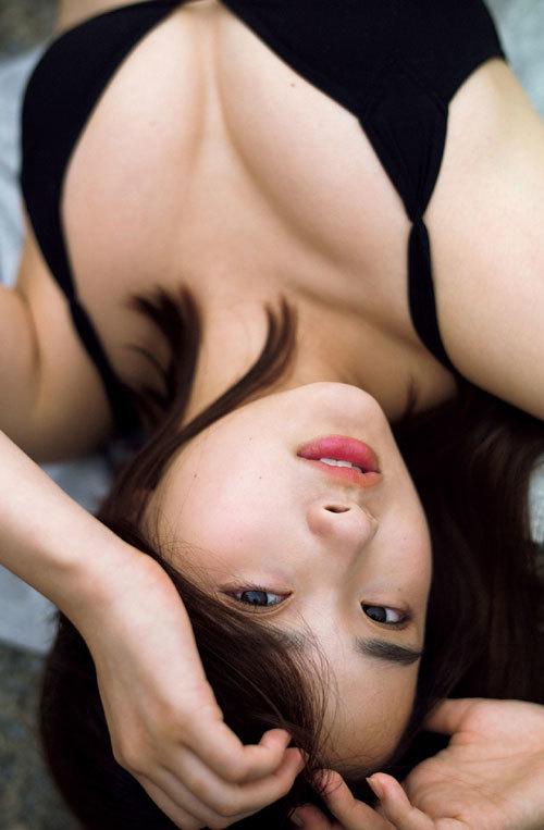 安倍乙の圧倒的透明感なビキニ美少女のおっぱい35