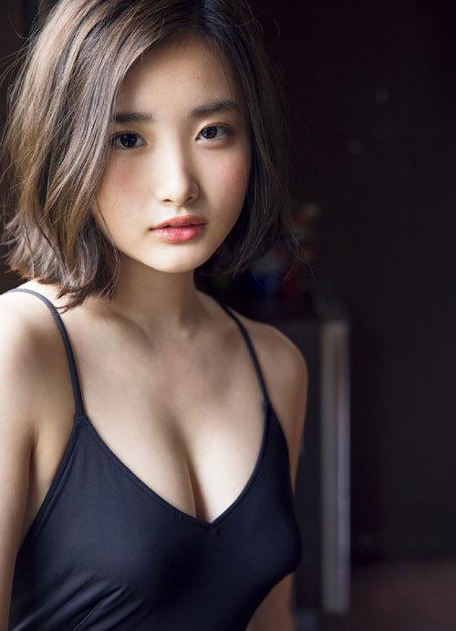安倍乙の圧倒的透明感なビキニ美少女のおっぱい64