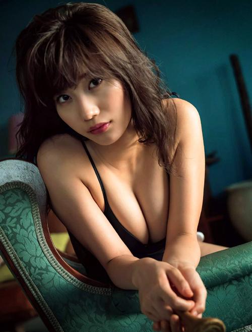 小倉優香(20) 最強のグラビア女王へ死角なしのマシュマロGカップ美少女。