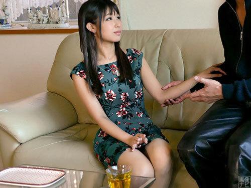新宿区内でガード激カタの33歳セレブ妻をナンパ。なんとかご自宅にお邪魔して迫ってみる