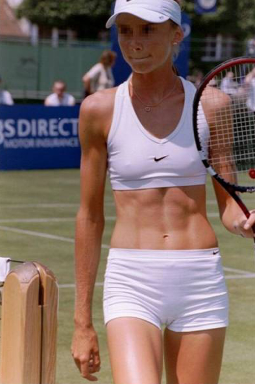 乳首のポッチが気になって競技に集中できない!スポーツエロ画像