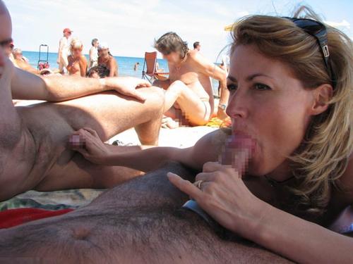 ヌーディストビーチで人目もはばからずセックスやフェラ始める外国人のメンタルすげーわwwwwww 画像26枚
