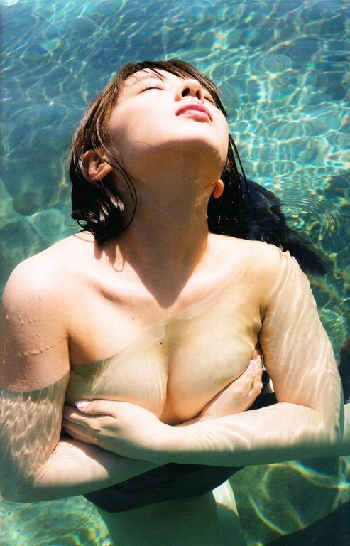 【山田菜々(元NMB48・Dカップ巨乳)お色気ヌードグラビア】画像・動画
