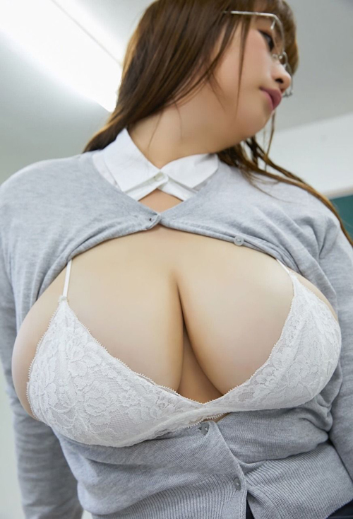 管理人がグッときた神乳&爆乳女子のエロス画像www