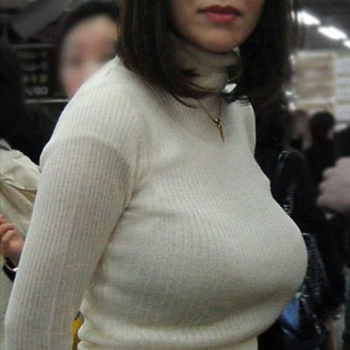 おっぱいがデカ過ぎなお姉さんのニット服が膨らむ着衣巨乳画像まとめ
