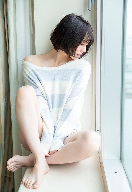 鈴村あいりDカップの美乳おっぱい1