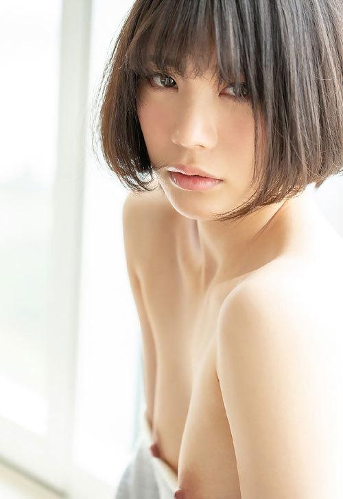 鈴村あいりDカップの美乳おっぱい15