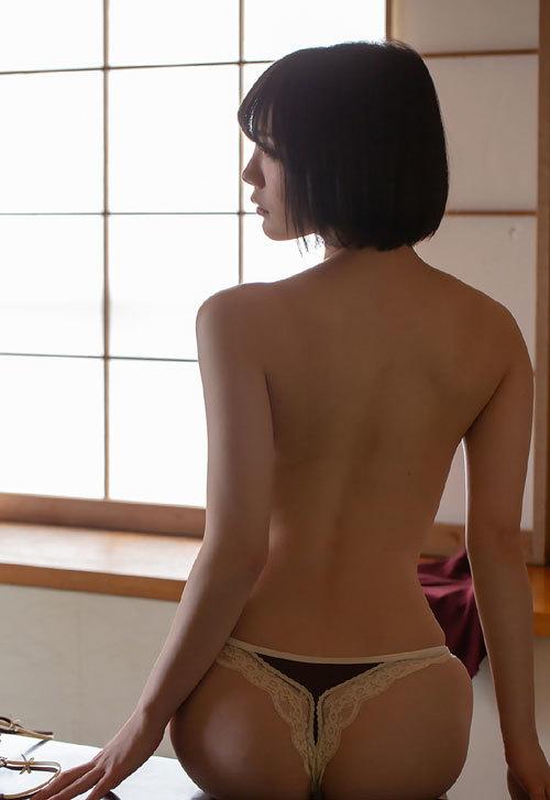 鈴村あいりDカップの美乳おっぱい41