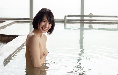 鈴村あいりDカップの美乳おっぱい64