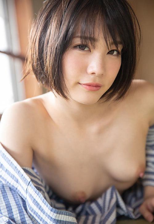 鈴村あいりDカップの美乳おっぱい80