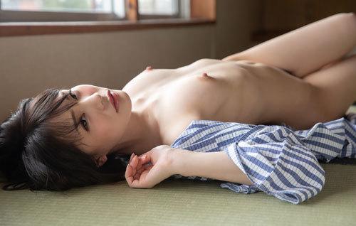 鈴村あいりDカップの美乳おっぱい84