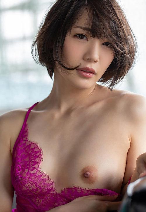 鈴村あいりDカップの美乳おっぱい131