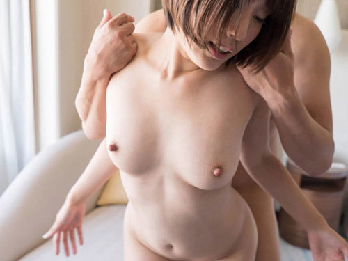 Ririka 爽やかで愛嬌のある人気女子アナのような印象の彼女ですが、メチャメチャ濡れてしまった体験は外でした時