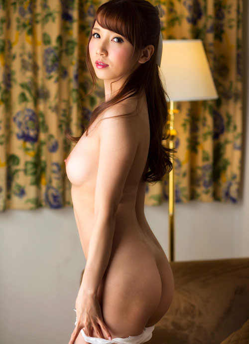【エロ画像】綺麗なお姉さんの綺麗なお尻 Vol.57