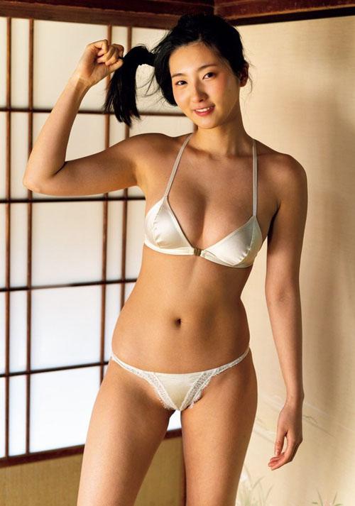 慶応大学薬学部の現役JDグラドル福井セリナのムッチリ才女ボディがたまらんち