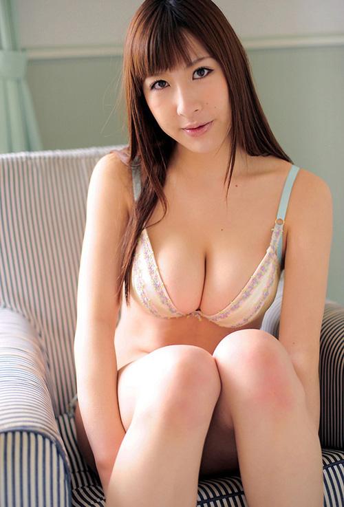 Hカップグラドル山咲まりな(31)が擬似セックス擬似フェラ満載のドスケベイメビを出すぞ!