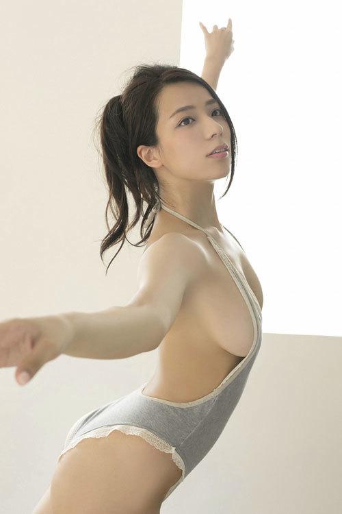 小瀬田麻由のFカップ柔らか美巨乳おっぱいに釘付け80