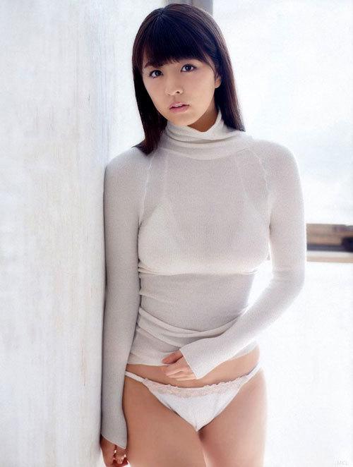 服を着てても大きさが判る着衣巨乳のおっぱい9