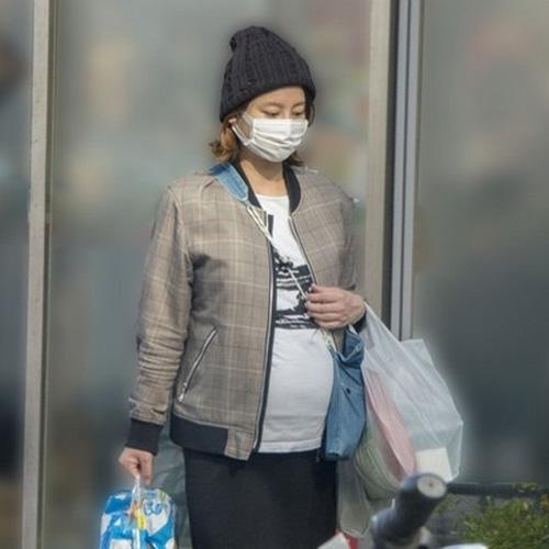 堀北真希が中出しされまた妊娠!今回もマンコ見る為、医師が14人立ち会うのか・・・