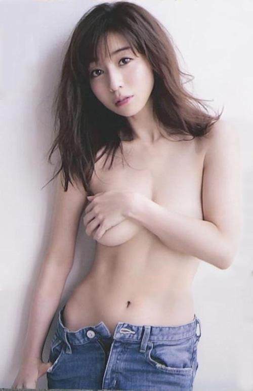 【田中みな実(Eカップ巨乳)お色気おっぱいグラビア】画像・動画