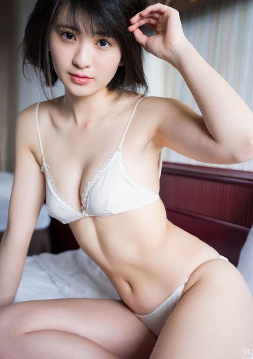 美少女オーディション準グランプリ 山田南実のスク水美乳