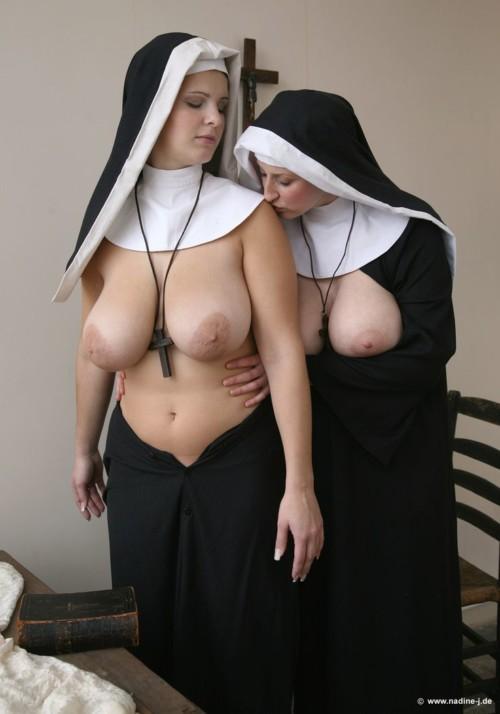 シスターと崇められる修道院の欲求不満な日常がコチラwwwwwwwwwwwww
