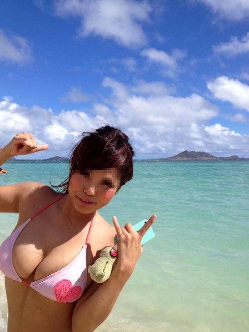 早く海で素人さんの水着姿のおっぱいが見たい19