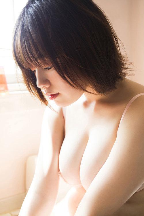 筧美和子ちゃんのブラから溢れる爆乳おっぱい5