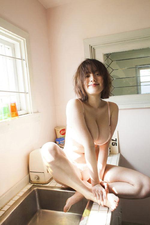 筧美和子ちゃんのブラから溢れる爆乳おっぱい6