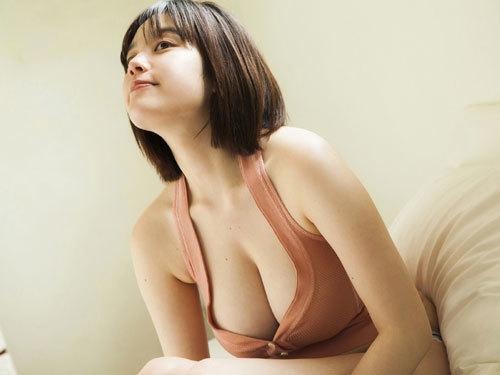 筧美和子ちゃんのブラから溢れる爆乳おっぱい26
