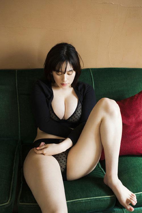 筧美和子ちゃんのブラから溢れる爆乳おっぱい46