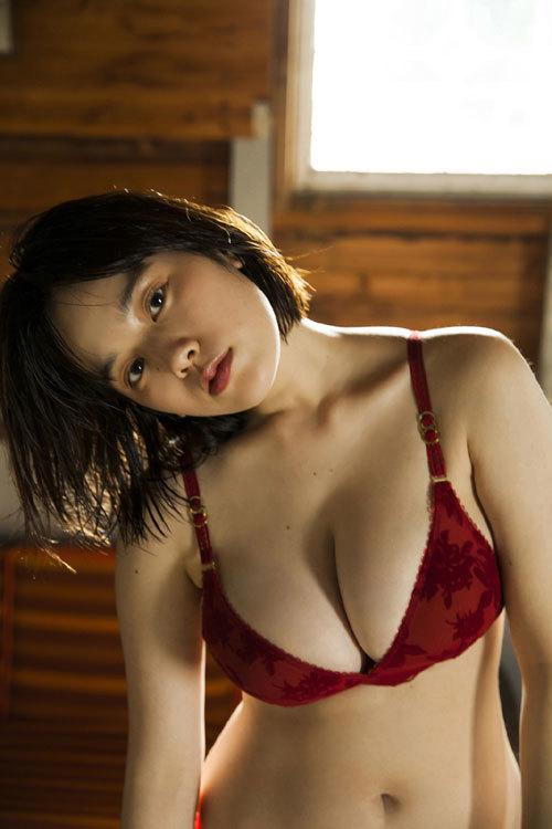 筧美和子ちゃんのブラから溢れる爆乳おっぱい56