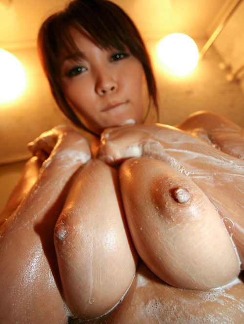 石鹸の泡まみれのおっぱいで洗って欲しい7